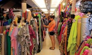 सूरत कपड़ा उद्योग  मंदी से बेहाल