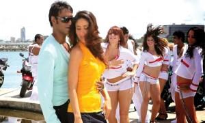 अजय देवगन के अपोजिट होंगी श्रद्धा?