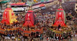 ओडिशाः पुरी में जगन्नाथ रथ यात्रा का उत्सव शुरू हुआ। श्रद्धालुओं की भारी भीड़ इस रथ यात्रा में शामिल होने के लिए पुरी पहुंची।