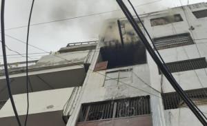 दिल्लीः लॉरेंस रोड स्थित एक जूता फैक्ट्री में भीषण आग लगी। दमकल की 26 गाड़ियां घटनास्थल के लिए रवाना।
