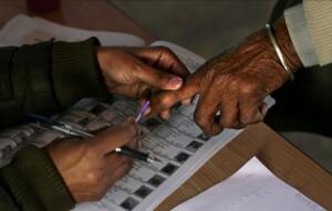 जम्मू-कश्मीर में जिला विकास परिषदों के तीसरे चरण के चुनाव के लिए मतदान जारी