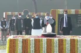 राष्ट्र आज पूर्व प्रधानमंत्री अटल बिहारी वाजपेयी की जयंती पर श्रद्धांजलि अर्पित कर रहा है