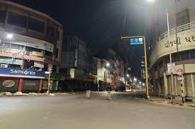 महाराष्ट्र सरकार ने राज्य के सभी नगर निगमों की सीमाओं में आज से रात का कर्फ्यू लगाया
