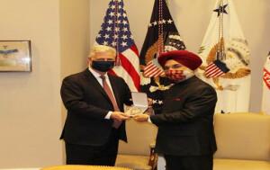 अमरीकी राष्ट्रपति ने भारत-अमरीका रणनीतिक साझेदारी बढ़ाने के लिए प्रधानमंत्री नरेंद्र मोदी को 'लीजन ऑफ मेरिट' पुरस्कार प्रदान किया