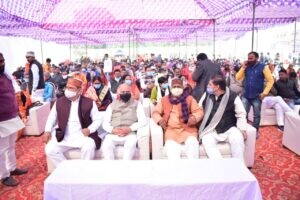 उत्तरप्रदेश में विभिन्न स्थानों पर आयोजित किसान गोष्ठियों में शामिल हुए हजारों किसान