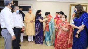 कांग्रेस नेता और अभिनेत्री उर्मिला मातोंडकर शिवसेना में शामिल