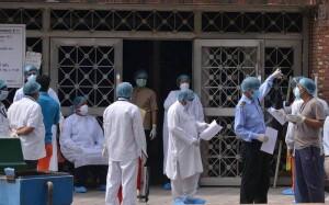 दिल्ली में पिछले 24 घंटे में कोरोना संक्रमण के चार सौ 24 नए मरीजों का पता चला