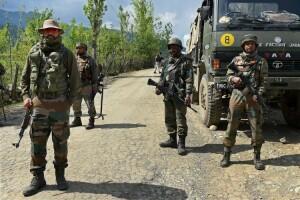 जम्मू कश्मीर : स्कूल के पास हुए धमाके में चार जवान घायल