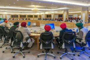 सरकार और किसान संगठनों के बीच अगले दौर की वार्ता आज दोपहर बाद