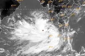 अरब सागर में उठ रहा चक्रवात: 18 मई को गुजरात के तट से टकराएगा ताऊ ते; महाराष्ट्र, केरल और कर्नाटक में भी भारी बारिश की आशंका