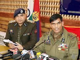 पुलवामा के पूछल गांव में भी खबर थी कि 2 आतंकवादी हैं। वहां भी घेराव किया गया। उन्हें समर्पण करने के लिए कहा गया। उन्होंने फायरिंग की जिसका जवाब दिया गया। इस मुठभेड़ में दोनो आतंकवादी मारे गए। ये दोनो स्थानीय आतंकवादी हैं और LeT से संबंध रखते हैं: IGP Kashmir विजय कुमार